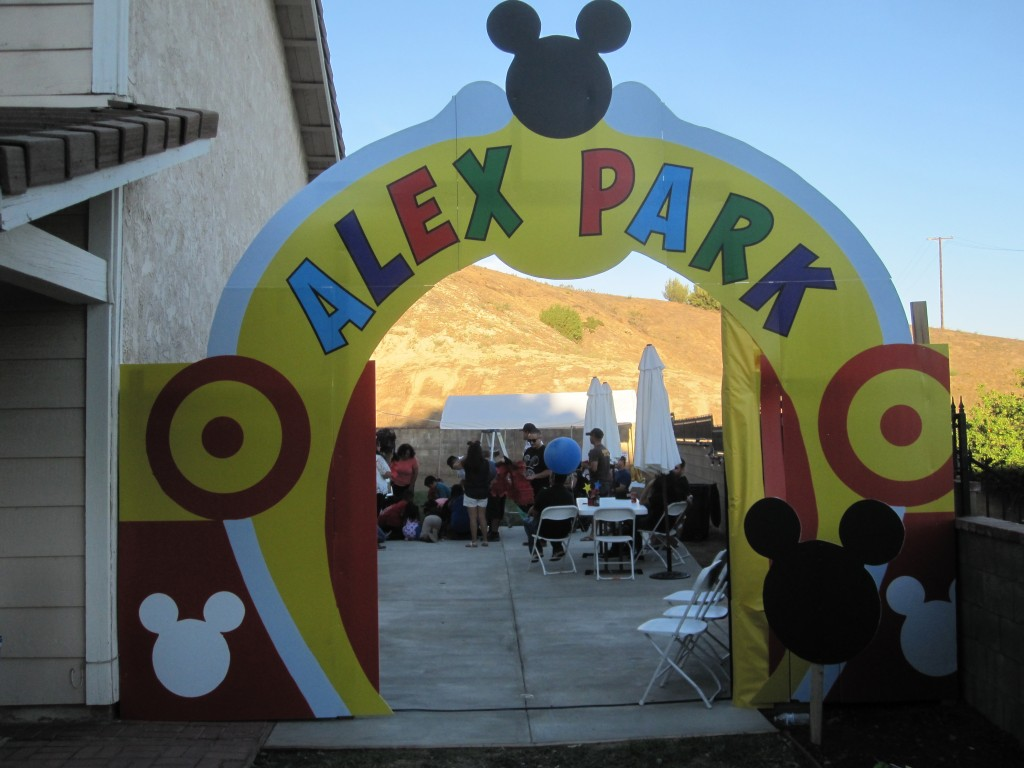 Parent's Created an Archway to Alex's Birthday Party!